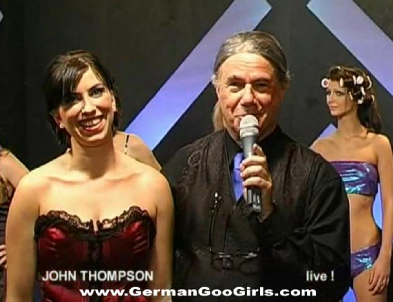 trahayu-dzhon-tompson-foto-porno-muzikalnih-porno-klipov