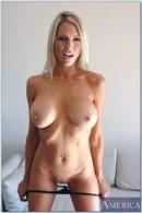 Emma star naked